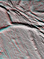 Cassini Views Enceladus in Stereo