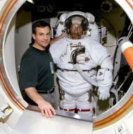 STS-100 ETA Airlock Crew Training Phillips