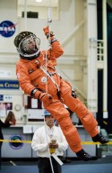 STS-111 and Expedition 5 Emergency Egress Training