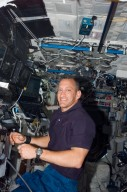 View of Hobaugh in the US Lab during STS-118/Expedition 15 Joint Operations