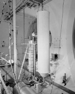 ZERO GRAVITY FACILITY SUPPORT ITEMS FOR DECELERATION TESTS