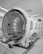 THRUSTER TESTING TANKS NO. 7 - 3 - PANELS IN PROP HOUSE