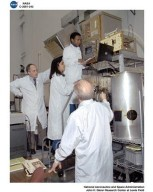 ASTRONAUT MICHAEL ANDERSON ADJUSTING LSP-2 - LAMINAR SOOT PROCESS - FLAME DURING GLENN RESEARCH CENTER - GRC - TRAINING