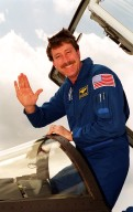 STS-100 Commander Rominger arrives at KSC for TCDT activities
