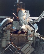 STS-41C Astronauts Repair the SMMS