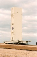 KENNEDY SPACE CENTER, FLA. -- An empty payload canister moves slowly to Launch Pad 39B alongside the crawlerway