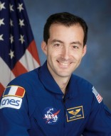 JOHNSON SPACE CENTER, HOUSTON, TX -- (JSC 597-09921) --Official Portrait of Astronaut Philippe Perrin, STS-111 mission specialist representing CNES, the French Space Agency