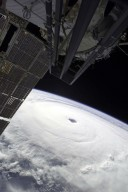 Hurricane Ivan Photographed by Expedition 9 Crew