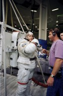 Kathryn Thornton Trains for STS-73 Mission