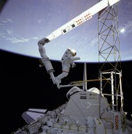 Astronaut Ross Approaches Assembly Concept for Construction of Erectable Space Structure (ACCESS)
