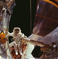STS-61 Hubble Space Telescope (HST) Repairs