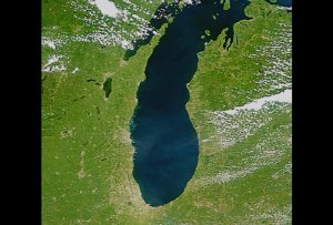 Michigan Lake Changes: Slow Dissolve Between Jul. 24, Aug 20, and Sept. 7, 1999 (with text)
