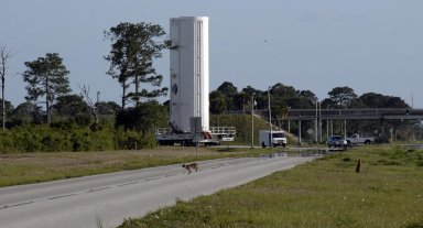 Hubble Payload Moves to Pad