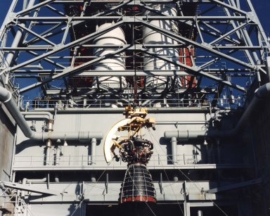 SSME is Hoisted into the B Test Stand