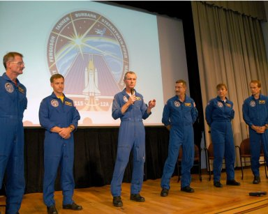 STS-115 crew visits SSC