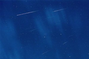 Meteors Between Stars and Clouds