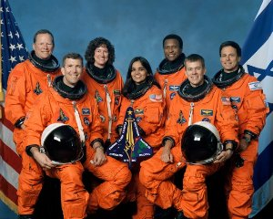 Space Shuttle and Crew Lost During Re-Entry
