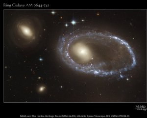 Ring Galaxy AM 0644-741 from Hubble