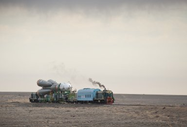 Expedition 23 Soyuz Rollout