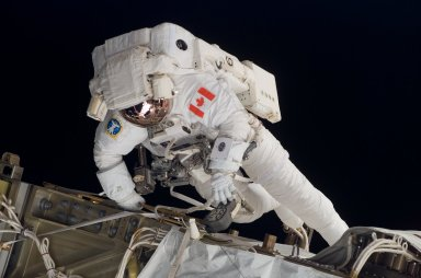 View of Williams on EVA 1 during STS-118/Expedition 15 Joint Operations