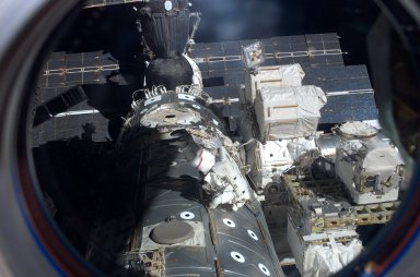 View of MS Mastracchio participating in EVA 2 during STS-118/Expedition 15 Joint Operations