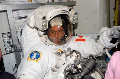 Williams in his EMU before a session of EVA during STS-118/Expedition 15 Joint Operations
