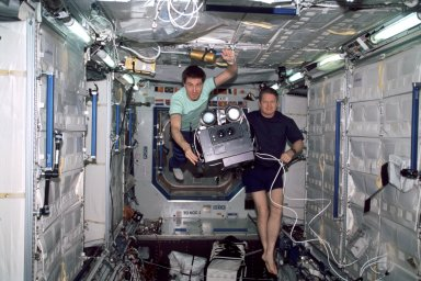 Krikalev and Shepherd in Lab module with IMAX camera