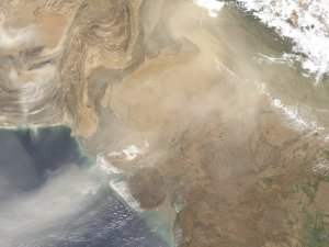 Dust in the Indus Valley