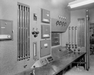 CONTROL ROOM AND ENGINE