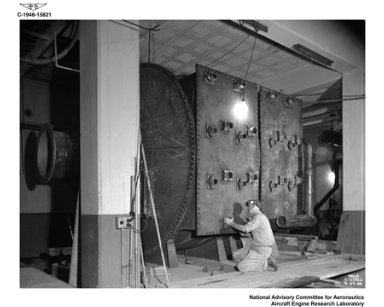 INSULATION AND ASSEMBLY OF THE ALTITUDE WIND TUNNEL AWT - FINAL REFRIGERATION UNIT IN THE ENGINE RESEARCH BUILDING ERB FOR REFRIGERATION COMBUSTION AIR