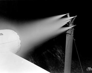 DE-ICING SETUP ON X24C MODEL MOUNTED IN ALTITUDE WIND TUNNEL AWT