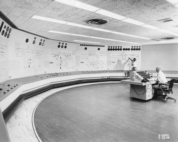 NEW CENTRAL CONTROL ROOM IN THE EXHAUSTER WING ADDITION TO THE ENGINE RESEARCH BUILDING ERB