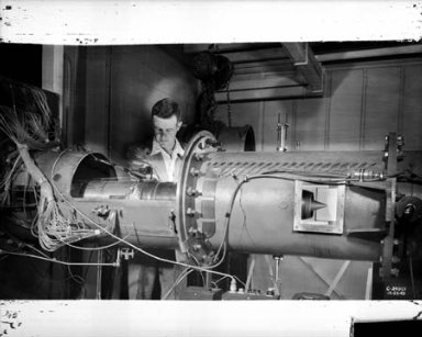 8 INCH RAM JET MOUNTED IN 20 INCH SUPERSONIC TUNNEL
