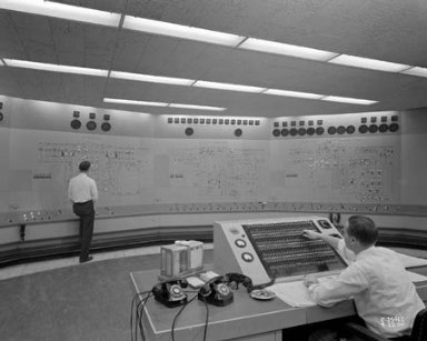 NEW CENTRAL CONTROL ROOM IN THE EXHAUSTER WING OF THE ENGINE RESEARCH BUILDING ERB