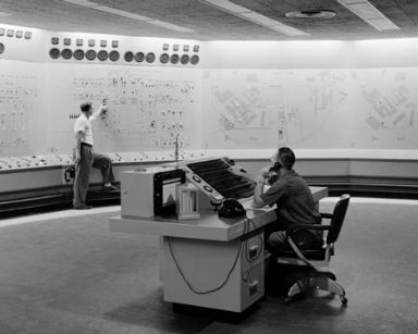 NEW CENTRAL CONTROL ROOM IN THE ENGINE RESEARCH BUILDING