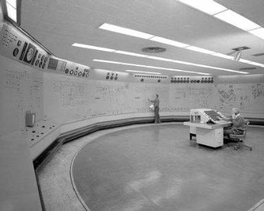 CENTRAL CONTROL ROOM IN THE ENGINE RESEARCH BUILDING ERB