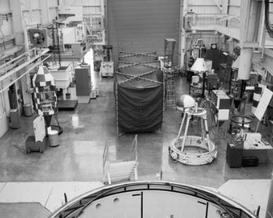 ZERO GRAVITY FACILITY SHOP AREA SHOWING CROWDED CONDITIONS