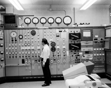 ENGINE COMPONENTS RESEARCH LABORATORY ECRL TEST CELL 2 CONTROL ROOM