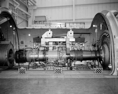 ENGINE IN THE PROPULSION SYSTEMS LABORATORY PSL TANK 4