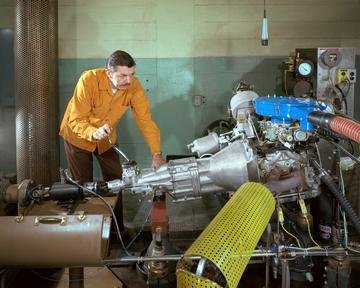 ROTARY ENGINE ON DYNAMOMETER TEST STAND