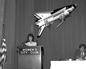 MISSION SPECIALIST SALLY RIDE AT STOUFFERS INN ON SQUARE