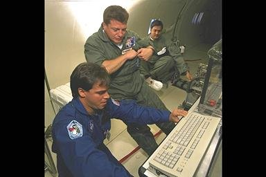 SPACE ACCELERATION MEASAUREMENT SYSTEM SAMS IN-FLIGHT ON DC-9 AIRPLANE