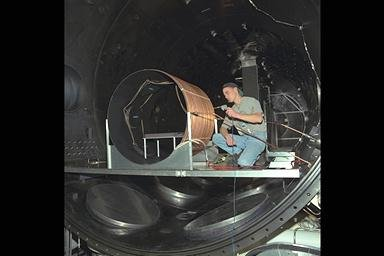 RUSSIAN HULL ELECTRIC THRUSTER TECHNOLOGY HARDWARE