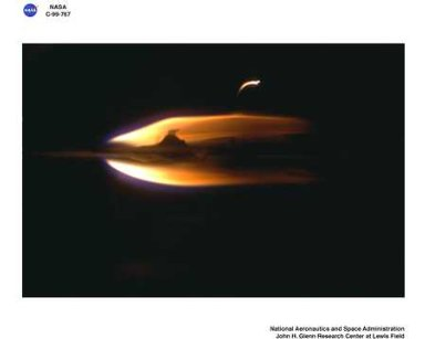 TRANSITION FROM IGNITION TO FLAME GROWTH UNDER EXTERNAL RADIATION IN THREE DIMENSIONS TIGER-3D TEST RESULTS FROM THE JAPAN MICROGRAVITY CENTER JAMIC
