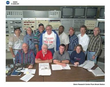 LOCKHEED MARTIN TEST GROUP FOR SPACE STATION RADIATOR PANELS FLIGHT HARDWARE IN FRONT OF NASA PLUM BROOK STATION SPACE POWER FACILITY SPF