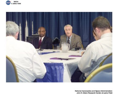 VISIT BY NASA ADMINISTRATOR SEAN O'KEEFE TO GLENN RESEARCH CENTER AUGUST 26 2002 - NASA ADMINISTRATOR SEAN O'KEEFE AND GLENN RESEARCH CENTER DIRECTOR DONALD J CAMPBELL ADDRESS THE MEDIA