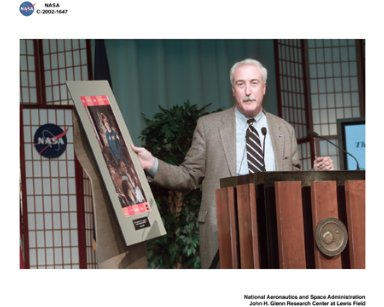 VISIT BY NASA ADMINISTRATOR SEAN O'KEEFE TO GLENN RESEARCH CENTER AUGUST 26 2002 - NASA ADMINISTRATOR SEAN O'KEEFE ADDRESSES GRC EMPLOYEES