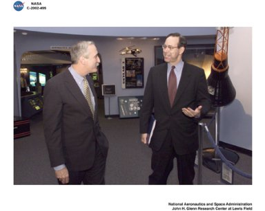 VISIT TO NASA GLENN RESEARCH CENTER BY NASA ADMINISTRATOR SEAN O'KEEFE