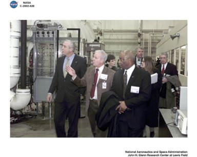 VISIT TO NASA GLENN RESEARCH CENTER BY NASA ADMINISTRATOR SEAN O'KEEFE / ELECTRIC POWER LABORATORY EPL