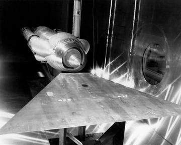 60-40 SHOCK STABILITY MODEL IN THE 10X10 FOOT WIND TUNNEL